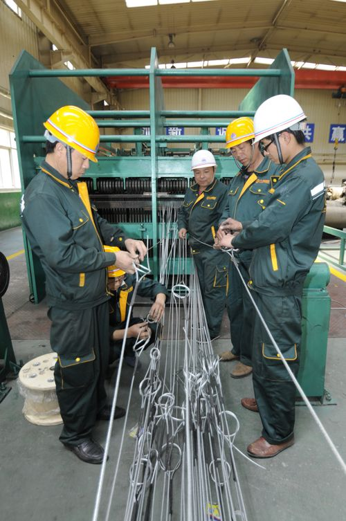 Joint operation of wire rope production line