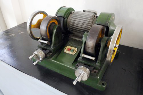 Double end grinding machine